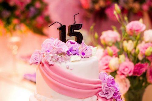 Torta para cumpleaños de quince